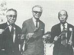 Comemoração do 80˚ aniversário de Kunito Miyasaka (da esquerda: Fujio Tachibana, Apolônio Sales e Kunito Miyasaka)